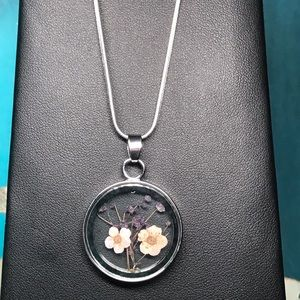 """Jewelry - Sterling silver 18"""" necklace with dried flowers"""